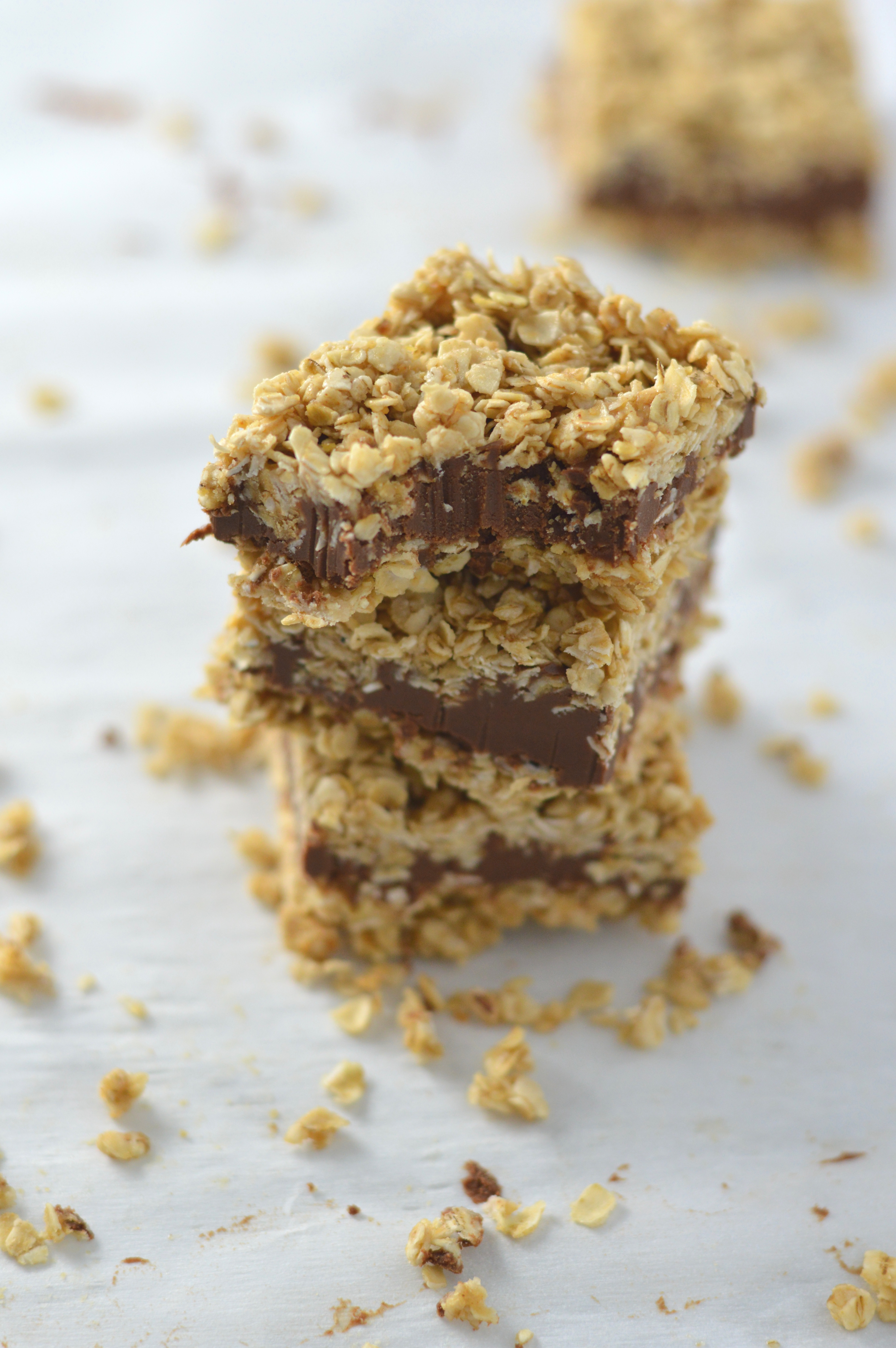 No Bake Peanut Butter and Chocolate Oat Fudge Bars | A ...